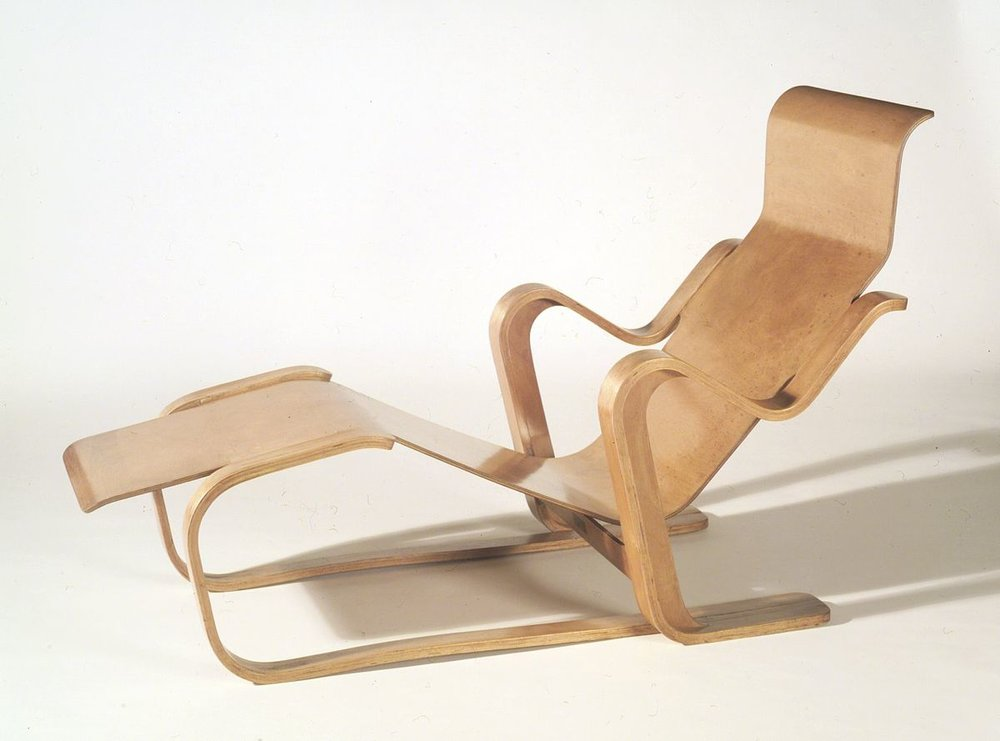Isokon Short Chair:  https://en.wikipedia.org/wiki/Isokon_Long_Chair