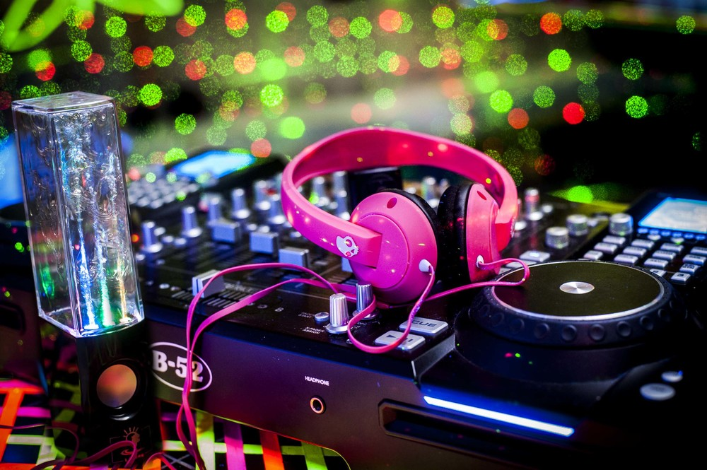 """<alt=""""Jusphotography commcerical Photography Skull Candy Head phones DJ """" >"""