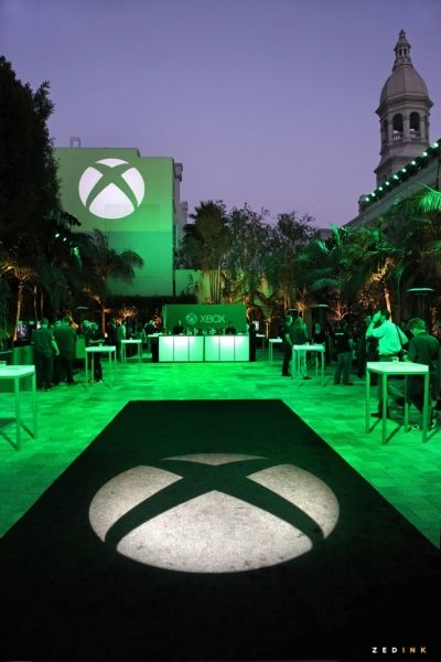 A great example of lighting and color to reinforce branding at an X-Box promo event.