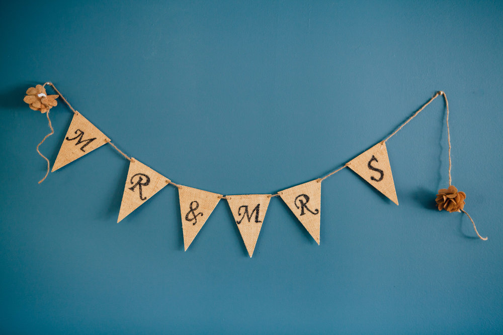 Mr. & Mrs. Burlap Sign