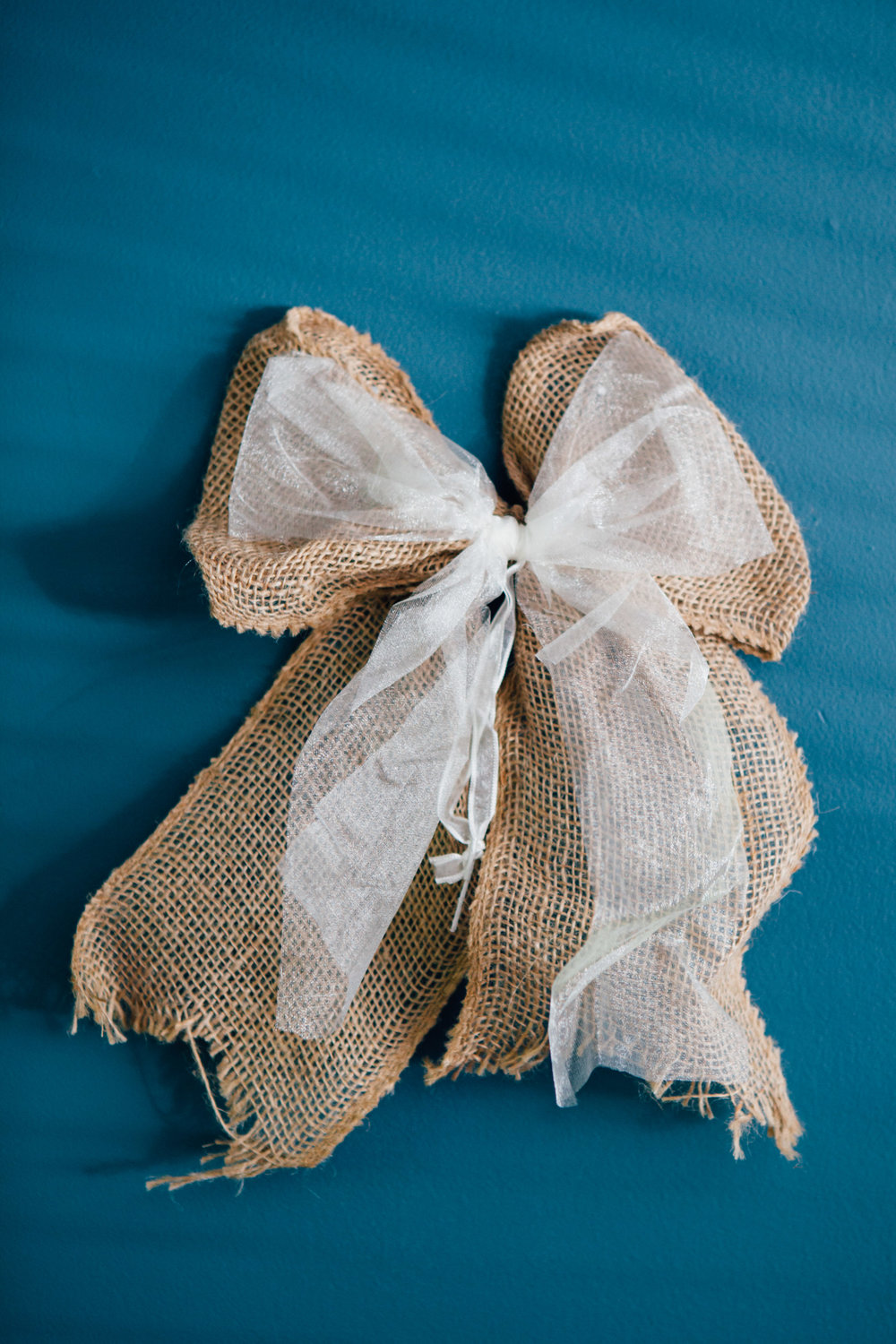 12 Burlap Bows with Lace