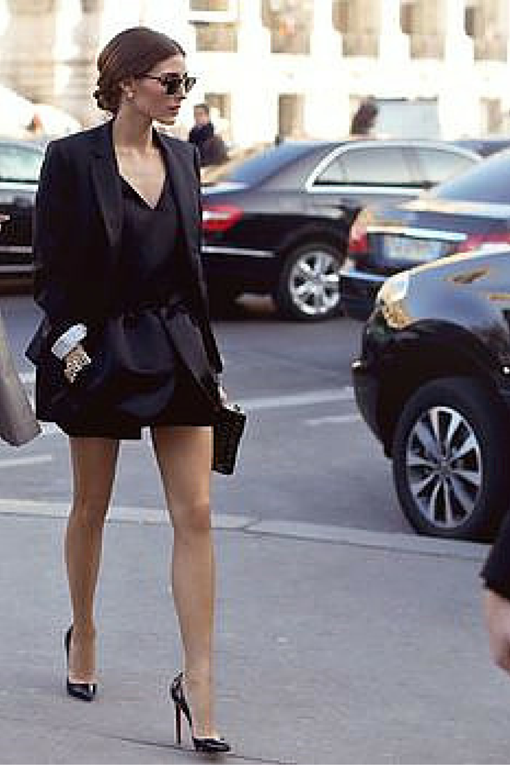 sneakers and pearls, street style, total black look, elegance has a name, Olivia Palermo,  trending now.png