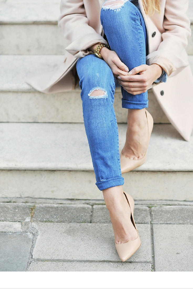 sneakers and pearls, street style, ripped jeans with neutral hints for a grown up girly look, trending now,misszeit.png