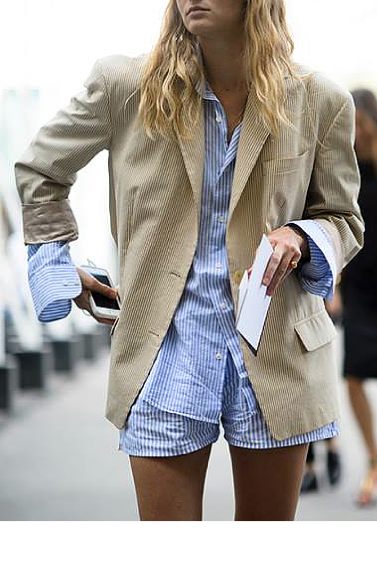sneakers and pearls, streetstyle, stripy cotton shorts and shirt, stripy pyjamas, trending now, la cool et chic.png