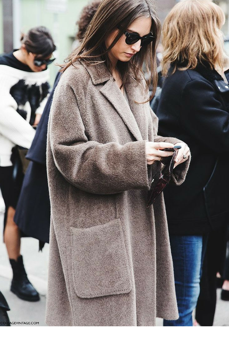 sneakers and pearls,streetstyle, brown oversized coat, trending now, miss zeit.png
