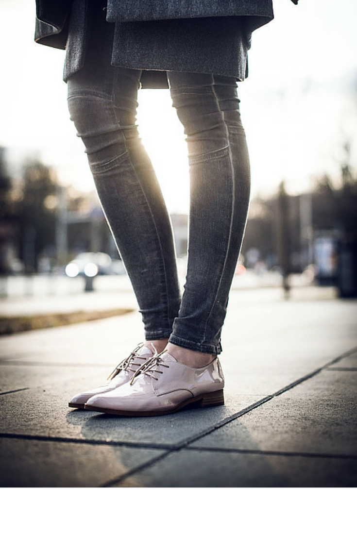sneakers and pearls, street style, give your casual look a twist with patent brogues, trending now, lacooletchic.png