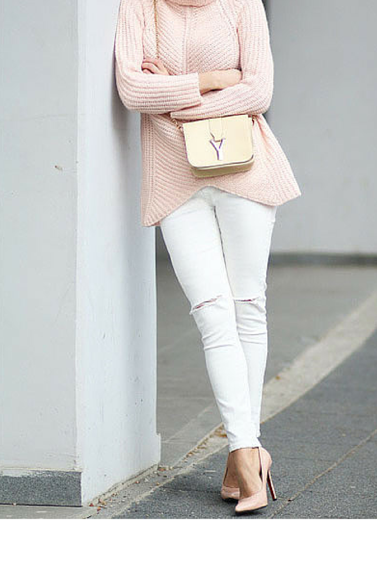 sneakers and pearls, streetstyle, pink jumper, white ripped jeans, pink pumps,trending now, miss zeit.png