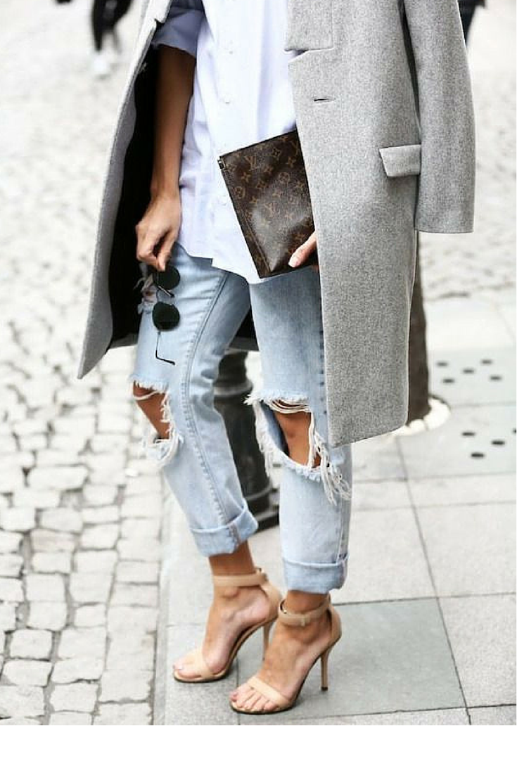 sneakers and pearls,street style,  white cotton shirt with ripped jeans, heels and a grey coat for an everyday comfort with elegance, trending now, ellewatmough.png