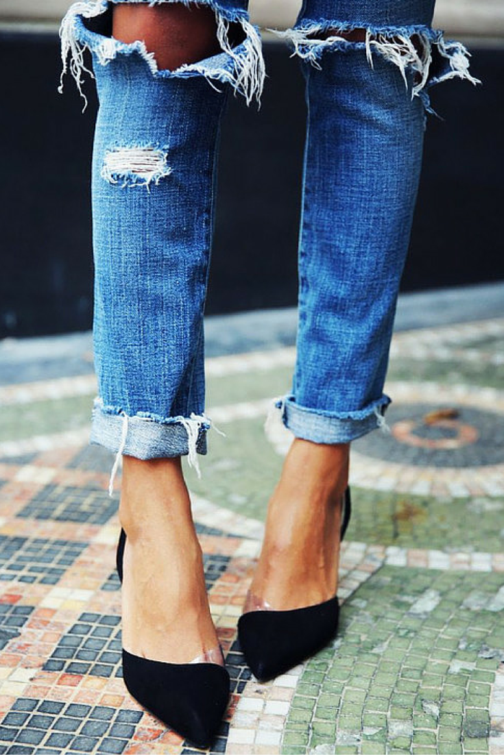 sneakers and pearls, street style, wear your ripped jeans with heels for a cool look, team it up with a taylored blaser fro a polished look, trending now, ellewatmough.png