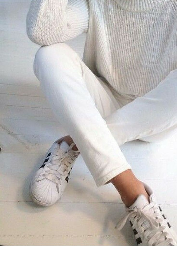 sneakers and pearls, casual elegance in total white look with Adidas sneakers, trending now.jpg