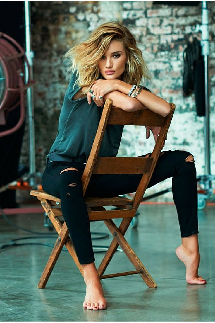 sneakers and pearls, Rosie Huntington, black knee ripped pants, barefoot, always trending.jpg