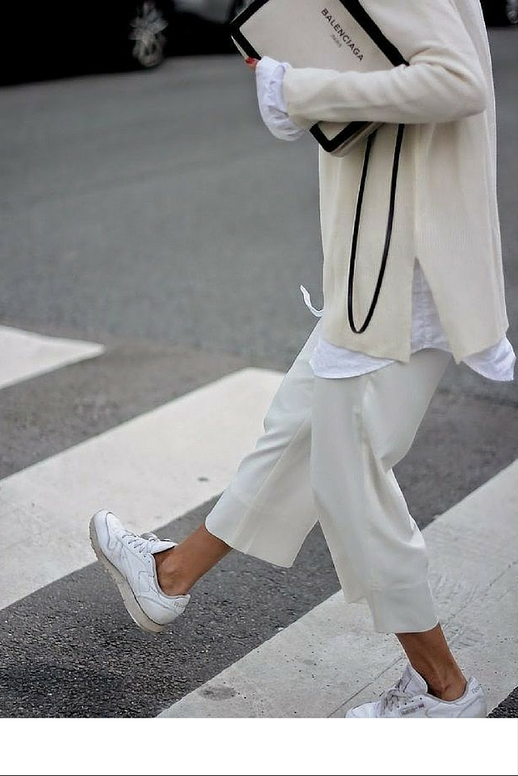sneakers and pearls, street style, match white with beige, wear sneakers with everything, wide pants with a wide top, mix and match, trending now.j.jpg