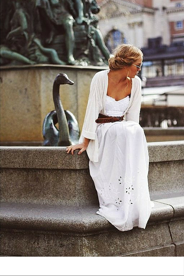 sneakers and pearls,street style, white ensemble in the middle of winter, trending now.jpg