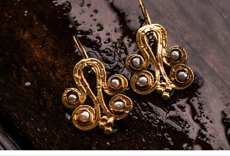 sneakers and pearls, one off earrings, gold earrings with pearls, trending now.jpg