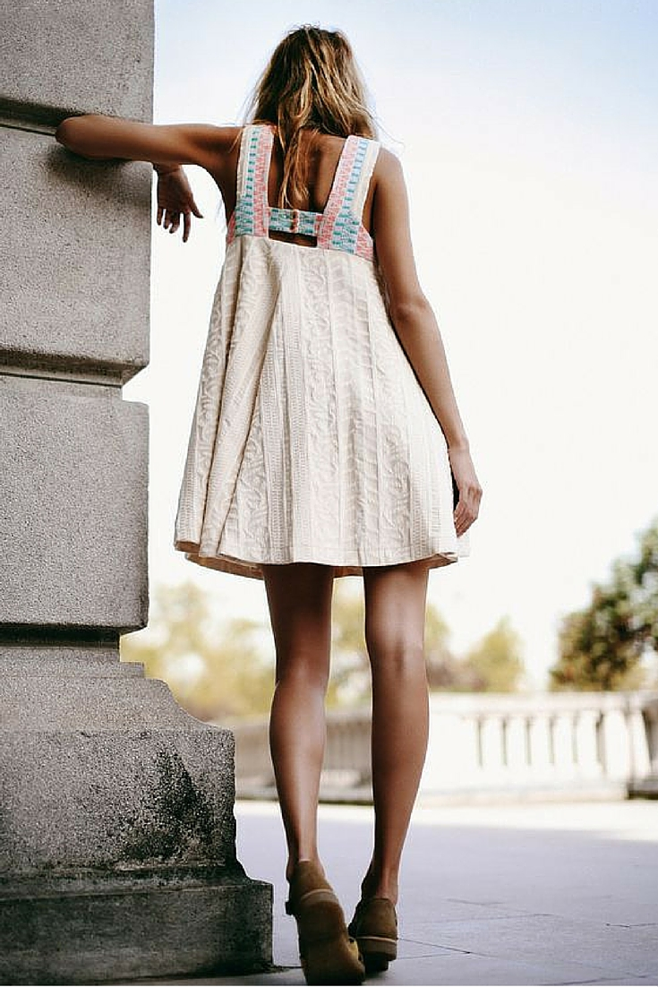 sneakers and pearls, beach boho style, beige dress with brogues, mix and match, trending now.jpg