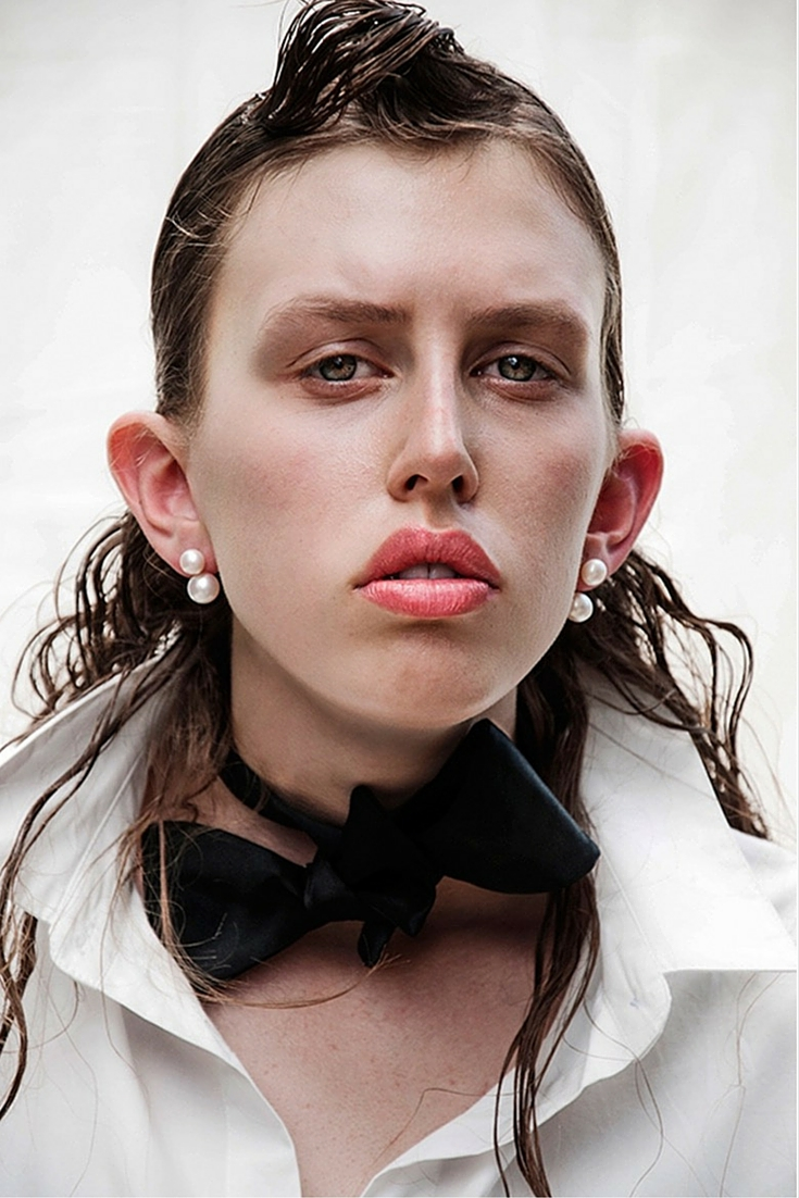 sneakers and pearls, up and coming top model Karshia, fresh water pearl earrings, double pearl earrings, bow tie for women who dare, classy earrings, trending now.jpg