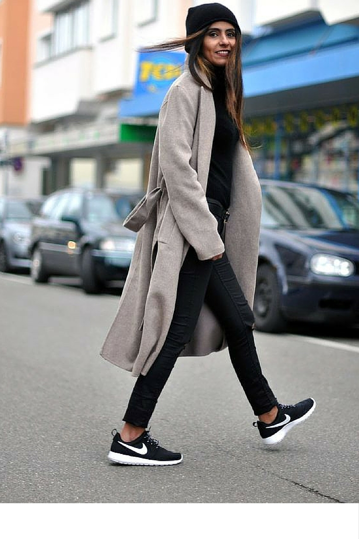sneakers and pearls, street style, minimalistic street wear with total black look and a gery coat, nike sneakers and a black beannie the cool touches, trending now.jpg