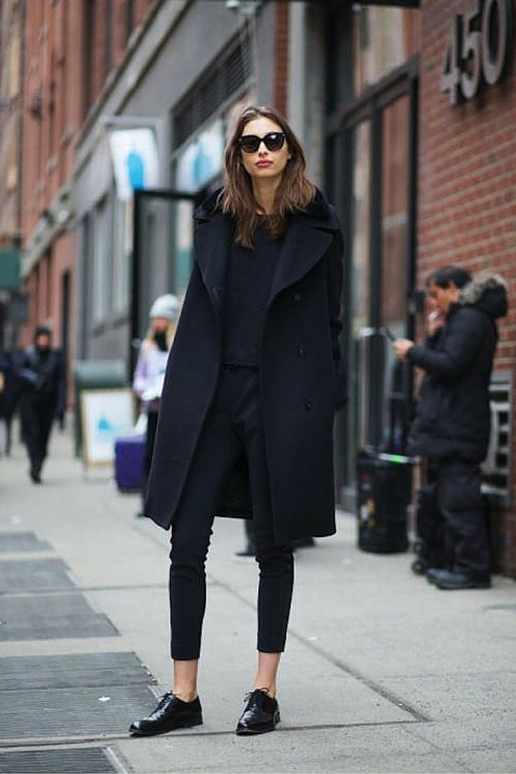 sneakers and pearls, total black ensemble, street style, fashionista,trending now.jpg