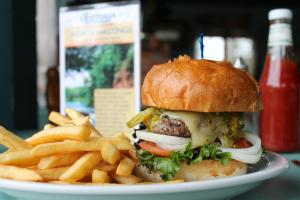 ellenberger-burger.jpg