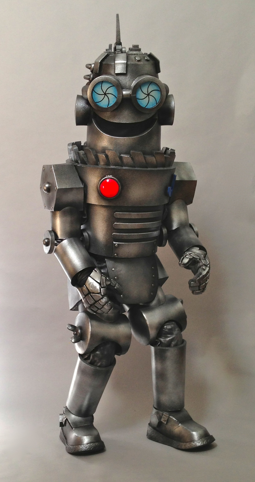 Robot costume by Matthew McAvene in costume.jpg