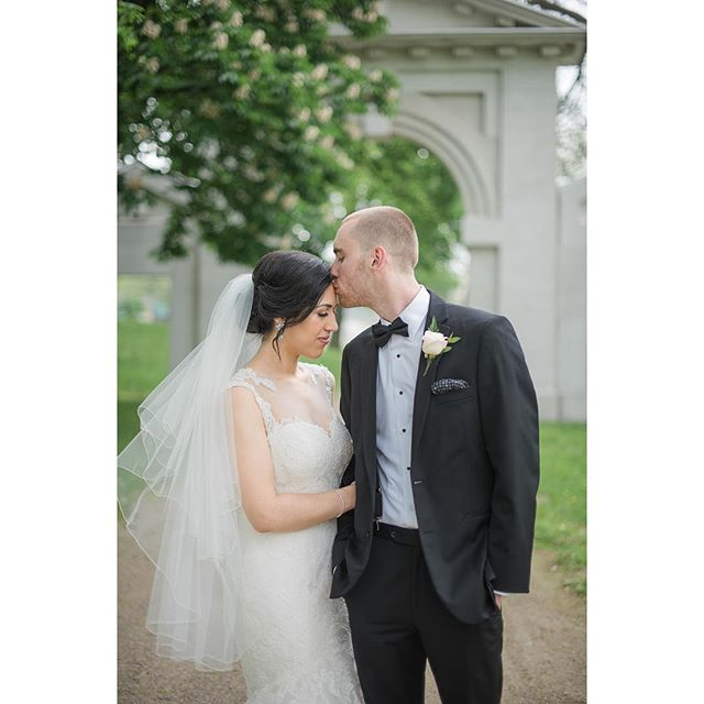 Still swooning over these two and their super romantic wedding photos at Dundurn Castle ⠀ ⠀ gown @palomablancabridal⠀ make-up/hair @jenenvoymakeupstudio⠀ .⠀ .⠀ .⠀ .⠀ #firstsandlasts #loveintentionally #radlovestories #weddingstyle #brideandgroom #springwedding #weddingseason #weddingsintoronto #torontowedding #torontoweddingphotographer