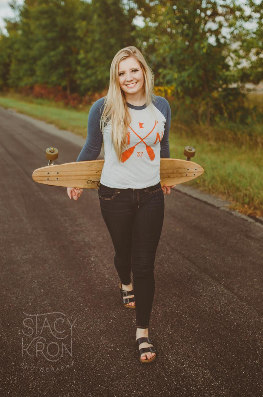 HannahLongboardSeniorGirlStacyKronPhotographySeniorPhotosAlexandriaMN.jpg