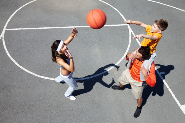 family_playing_basketball-e1427133399629.jpg