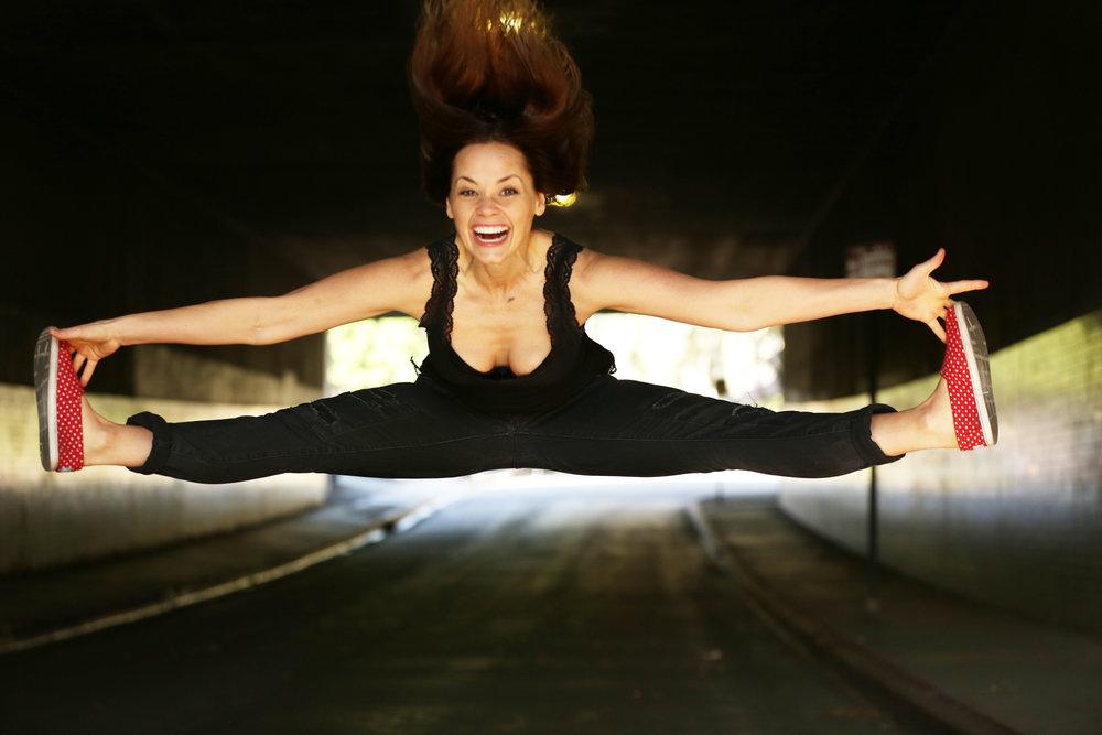 Betsy Jump Split.jpg