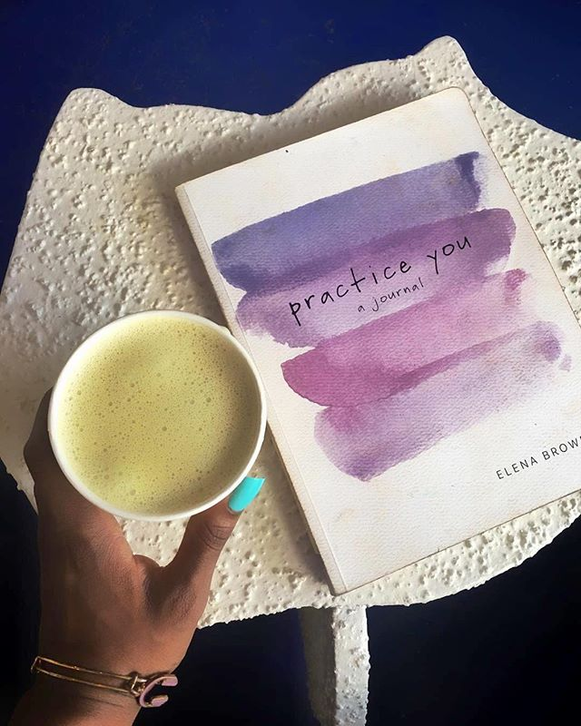 😍 our #guests 👌🏻 know how to ☕️ #chill on 😌 #chilly days 🏝 @_domicile #respost ✏️ @kakedutch 💙 #practiceyou 📒 @practice.you @elenabrower 📍