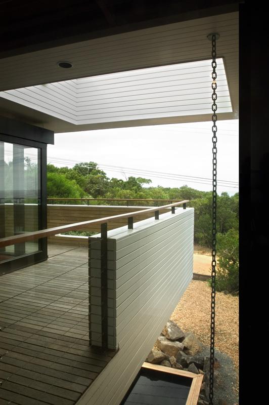 balcony_2.jpg