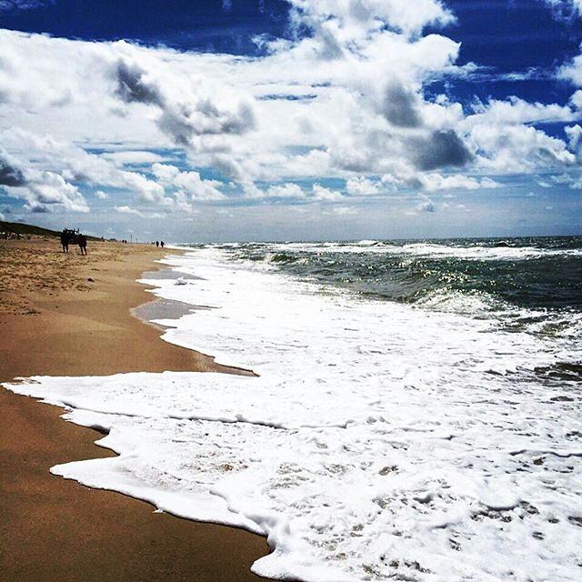 #Repost @sunny8301 ・・・ #syltliebe #syltliebe #syltindeutschlandganzoben #ilovesylt #inselliebe #meineinsel #dieseeineliebe #baakdeel #strand #beach #beachview #blauerhimmel #bluesky #wolken #clouds #waves #wellen #meer #sea #nordsee #northsea #nowordsneeded #nordishbynature #sand #thereisnoplaceiwouldratherbe #qualitytime #ilwsylt #sylt