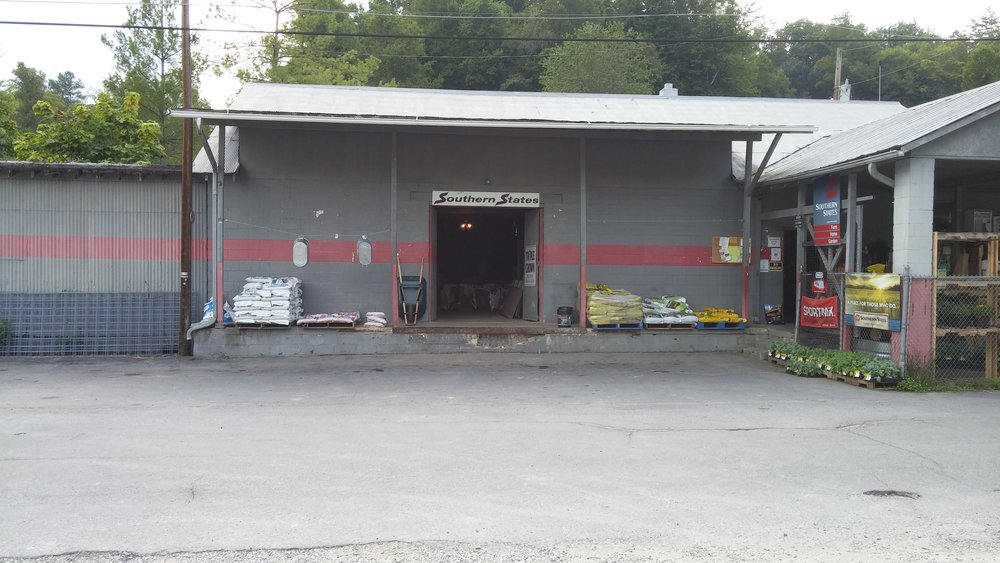 farm supply front.jpg
