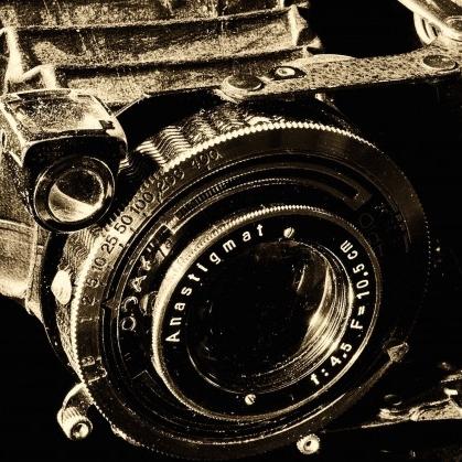 cropped-camera-1880831.jpg