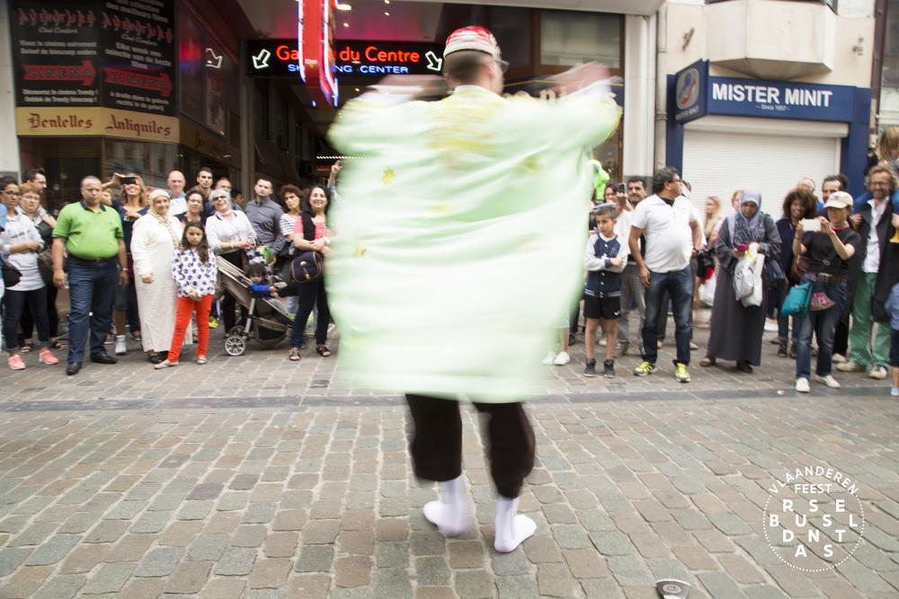 51-Brussel Danst 2016 Logo - Lies Engelen.jpg
