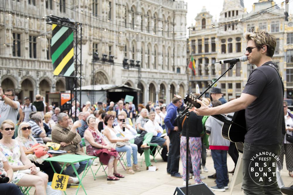 84-Brussel Danst 2016 Logo - Lies Engelen.jpg