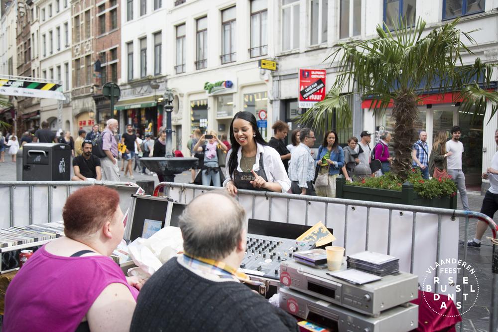 118-Brussel Danst 2016 Logo - Lies Engelen.jpg
