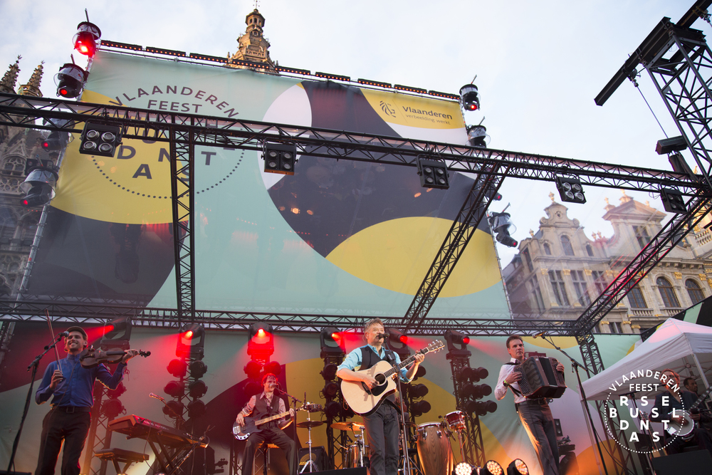 135-Brussel Danst 2016 Logo - Lies Engelen.jpg