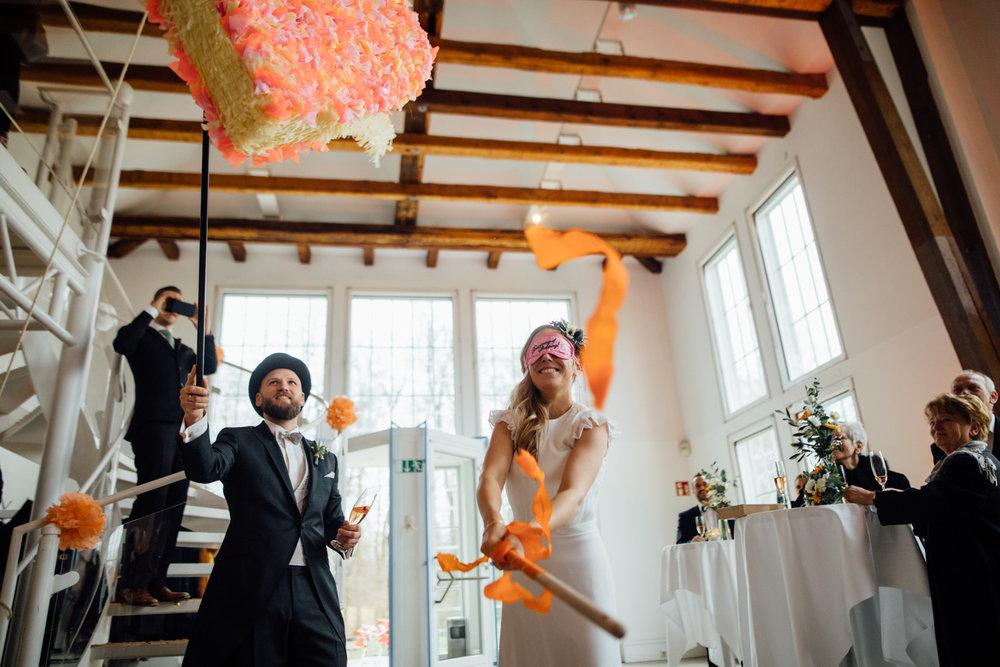 Hochzeitsfotograf_Rödental_Alte_Mühle_Alte_Orangerie_Schloss_Rosenau_100227253.JPG