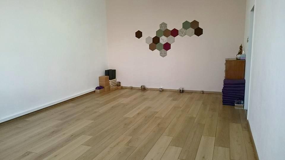 Copy of cours de yoga geneve - espace de yoga