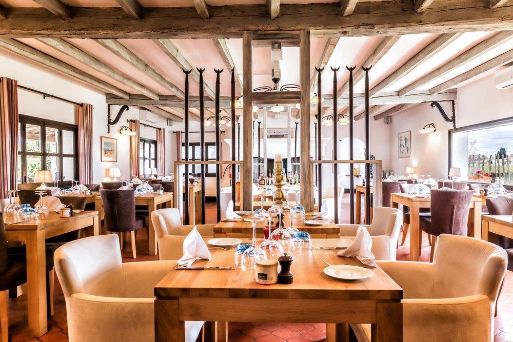 restaurant-le-pont-des-bannes-camargue-auberge-cavaliere-du-pont-des-bannes-25.jpg