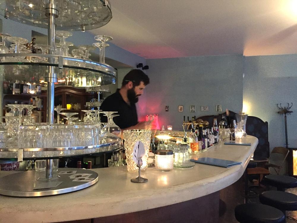 Le joli bar & le talentueux barman