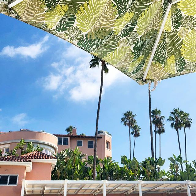 I gotta say, #cabanalife agrees with me. 🌴☀️ #beverlyhillshotel #losangeles #pool #beverlyhills #la #california #sunshine