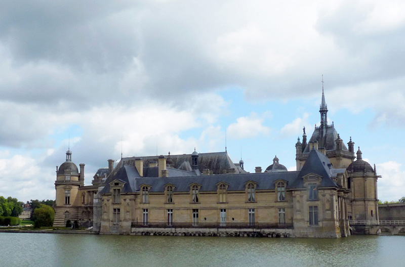 Chantilly External 1 800.jpg