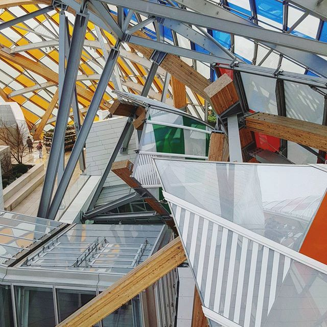 Architectural layers at the Fondation Louis Vuitton.  #fondationlouisvuitton #frankgehry #paris #parisjetaime #parismaville #loves_paris #parigi #igersparis #architecture #instaarchitecture #lookup #travel #instatravel #travelgram #parisian #abstract #archilovers #architexture #geometric