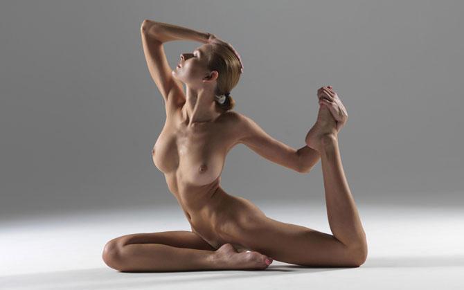 Hot curvy milfs nude