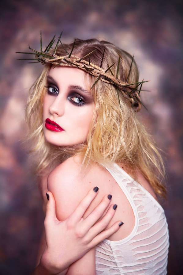 e69518f7a510f9c65ba292aa12dfc400--pictures-of-jesus-editorial-fashion.jpg