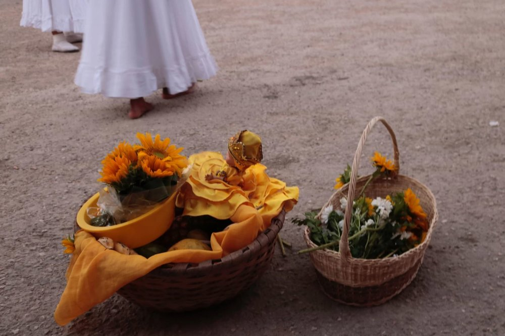 Offerings to Oshun. Photo by Adversy Alonso via Pexels