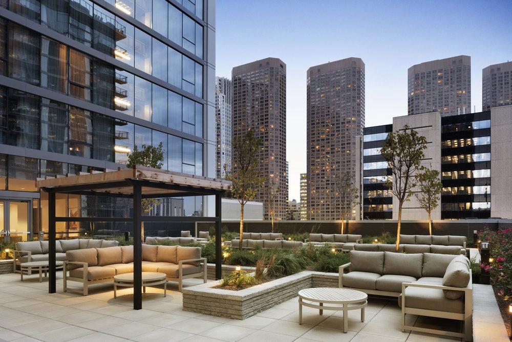 Hampton Inn/Homewood Suites outdoor terrace