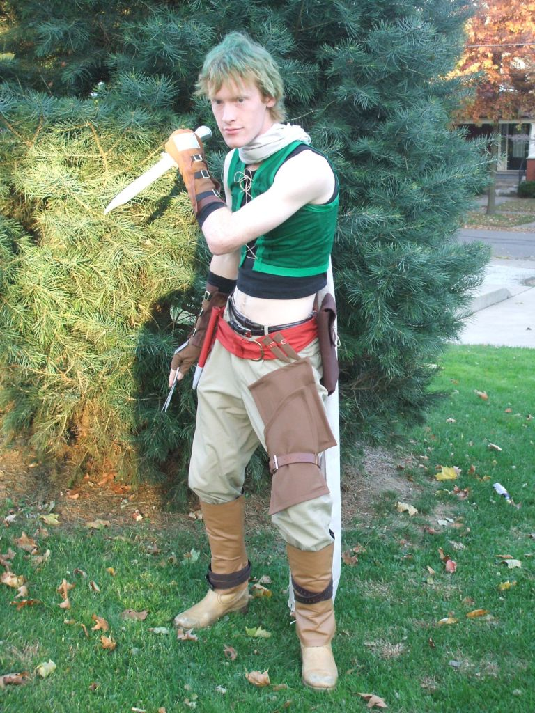 Some of my hair is almost green enough to match the pine tree I'm standing in front of... You can also tell this is an early Mikey cosplay because look at that blank white shoulder...