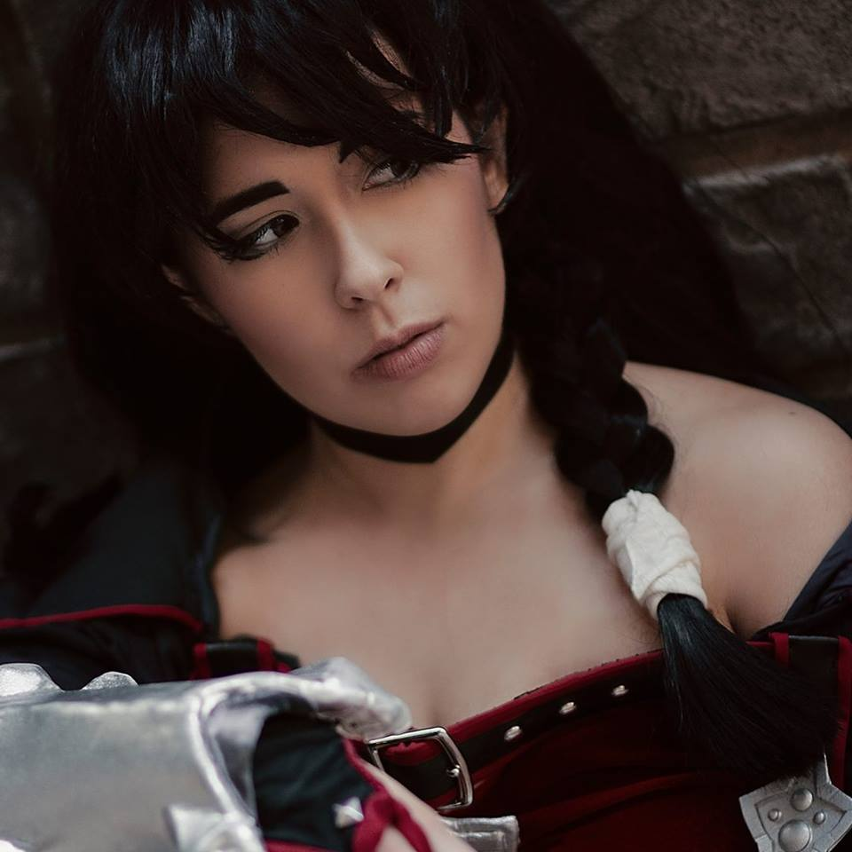 Trickssi  is one of my oldest con friends and I truly value any time I get to spend with her (which sadly is minimal, of late). She is the queen of Tales, with an extensive repertoire from the series and all of them look fabulous!  Photo: Velvet Crowe (Tales of Berseria) Photo by  Houkakyou
